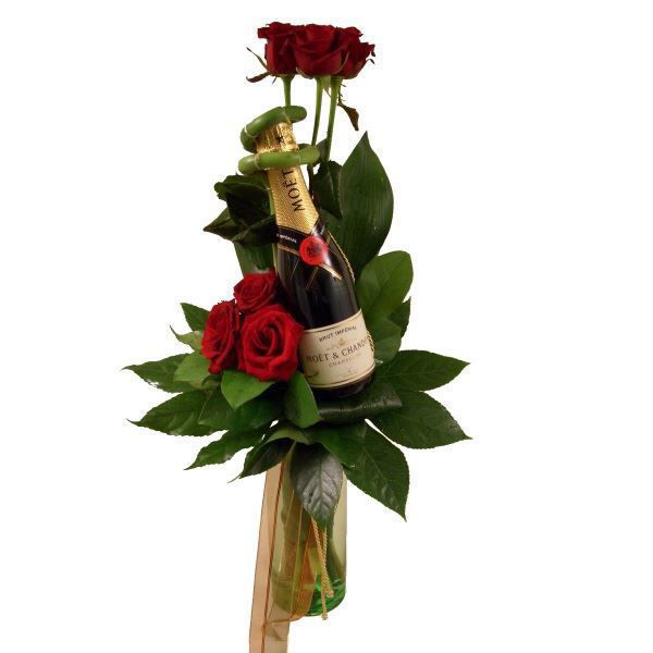 Picture of rosa e moet chandon